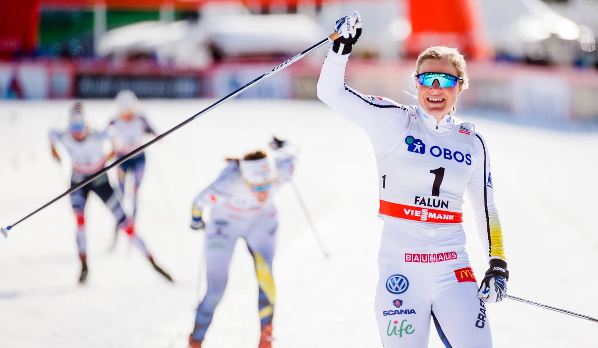 Hanna Falk går i mål